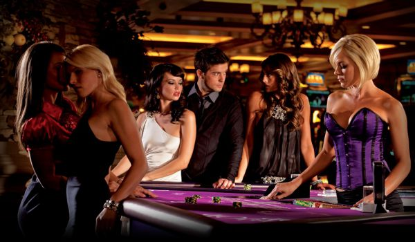Top 4/5 * Hotel/Casino with 6,850+ rooms Total Ga