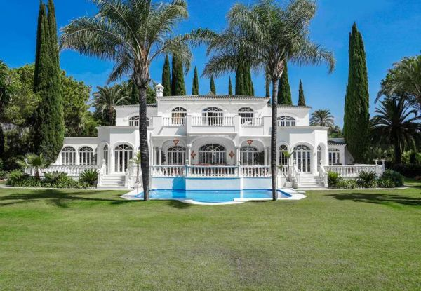 Top Villa Built m² 630 In Marbella + terras Terrac