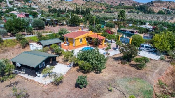 Malaga Finca for the price from one townhouse Plot