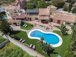 Great Villa REDUCTION € 200.000 With sea views Tot