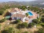 Reduced Brand new VILLA with 300.000,-17 km Marbel