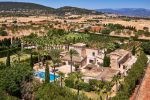 Vineyards with Stunning traditional Majorcan prope